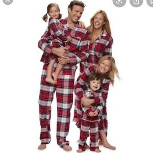 NWT Macy/'s Family PJ/'s Footie PJ/'s Red Brinkley Plaid Print Size 18 Months